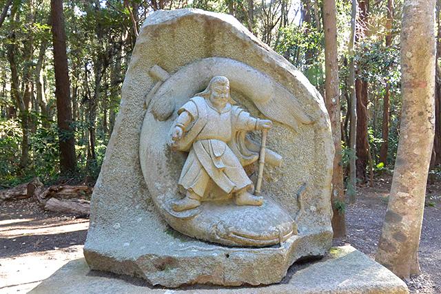 鹿島神宮・タケミカヅチ像