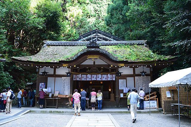 大神神社の摂社である狭井神社