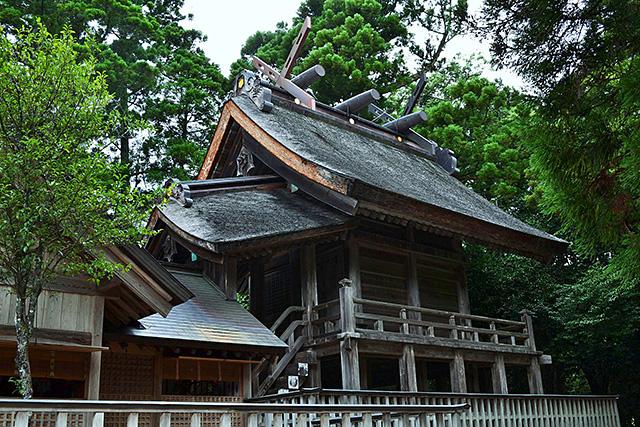 須佐神社の本殿
