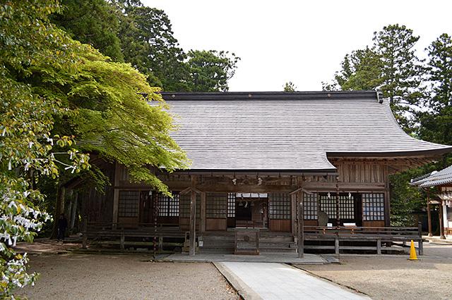 須佐神社の拝殿